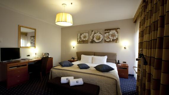 tour en armenia habitacion de hotel western congress