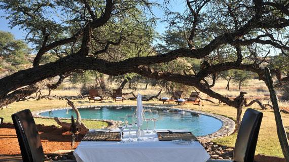 tour en botswana camelthorn kalahari lodge